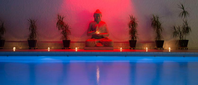 Switzerland_Wengen_Hotel-sunstar-alpine_pool-spa.jpg